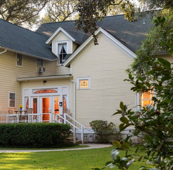 Exterior view of our Gulf Shores Bed and Breakfast